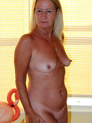 naked sexy 50 plus mature unclad