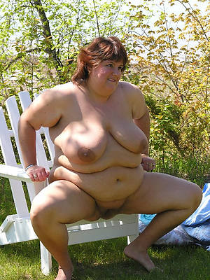 unconforming thick mature beuty pussy