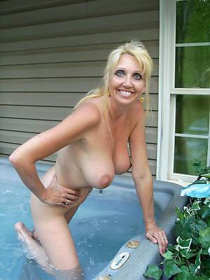 nude grown up amateurs having sex