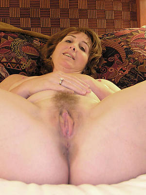busty mature hairy pussy pictures