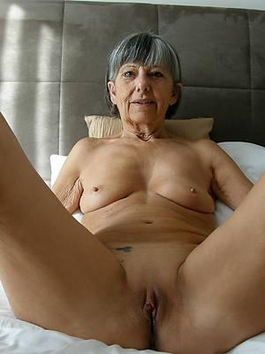 free amature sexy mature grannies nude pics