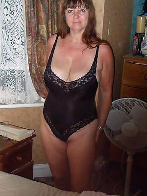 hotties matures in lingerie pics