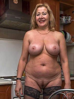 XXX mature pussy free hot floosie porn
