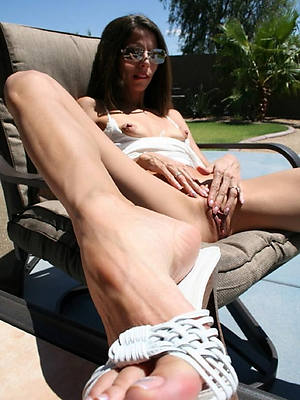 pictures of grown-up feet amature sex