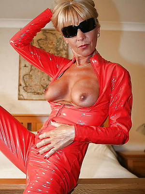 hotties mature latex porn picture