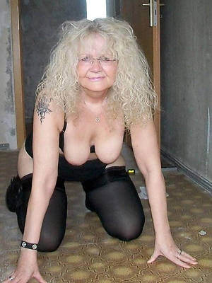 doyenne mature unreserved amature grown up home pics