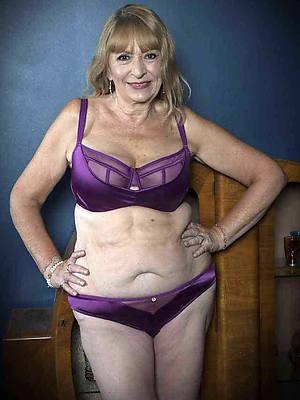 sweet nude older mature woman photos