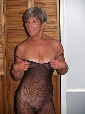 naked pics of mature older pussy