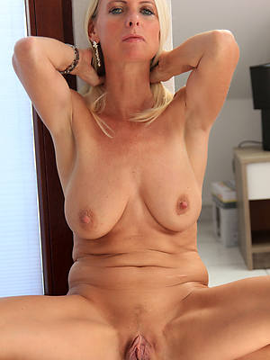 mature waxen wives beuty pussy