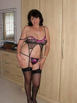hotties mature big tit brunette porn pics