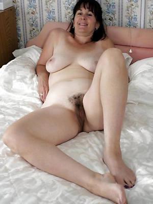 sexy mature girlfriends having sex