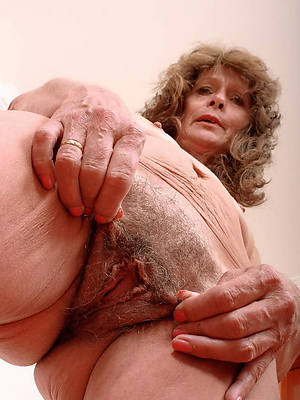 busty hairy german mature porn pics