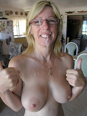 mature mom cumshot gallery