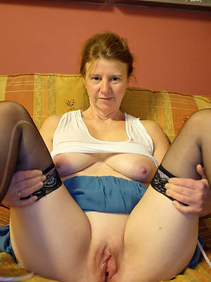 sexy old mature naked women porn pics