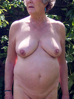 naked pics of old mature women