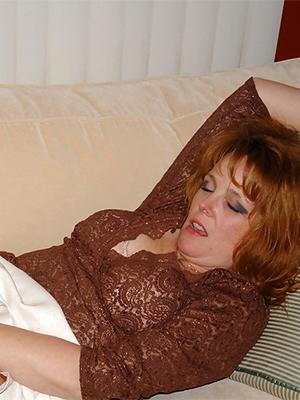 extravagant mature pantyhose pics