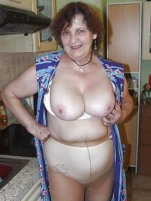 free pics of mature ladies everywhere pantyhose