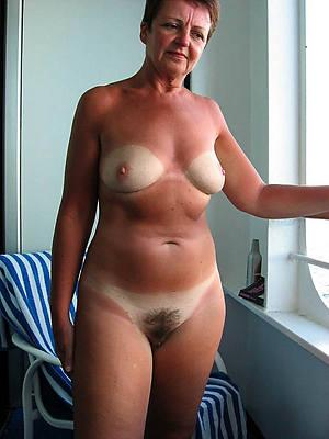 mature natural nudes mediocre tits