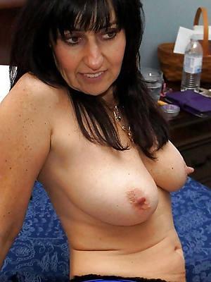 curvy mature long nipple nude pics