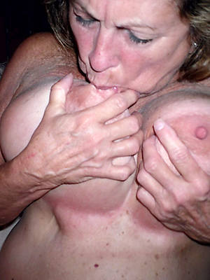 big boobs mature shows pussy