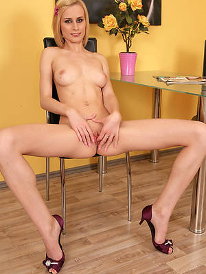 hot mature aristocracy in heels porno pictures