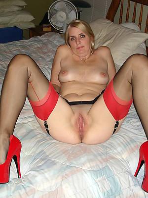 free amature empty full-grown women helter-skelter high heels