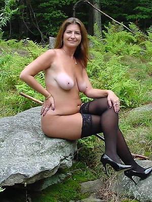 curvy mature stocking pics