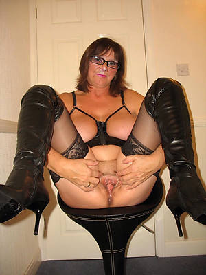 mature woman in stockings dirty sex pics