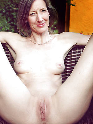 fresh free pics of mature pussy