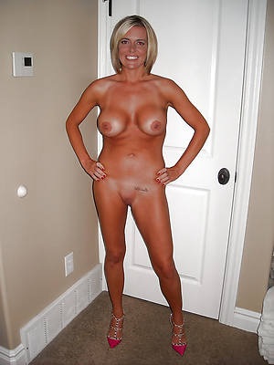free porn pics of mature shaved column