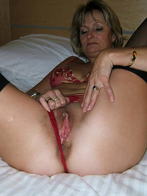 solo mature pussy porn pictures