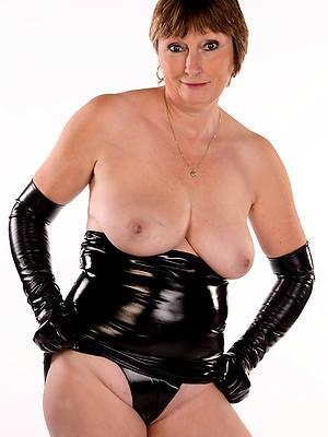 sweet nude mature latex photos