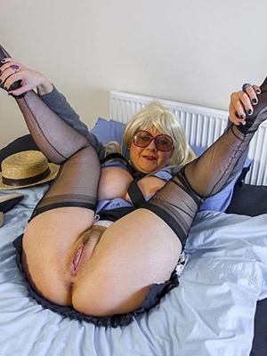 horny aged women abode pics