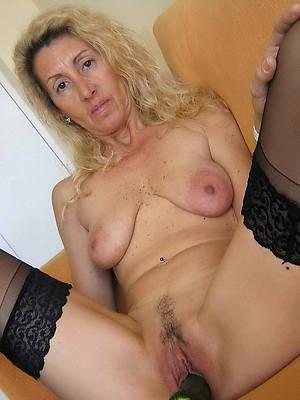 low-spirited naked 50 plus mature pic