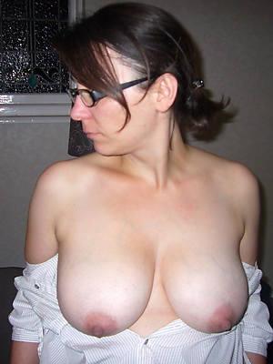 mature tits and ass porn photos