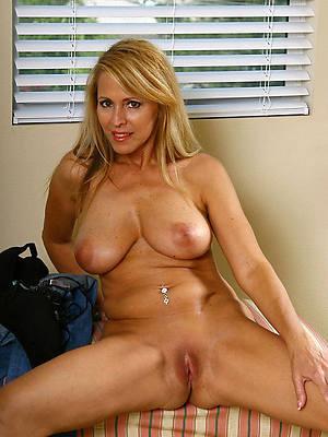 hot beautiful mature breasts pics