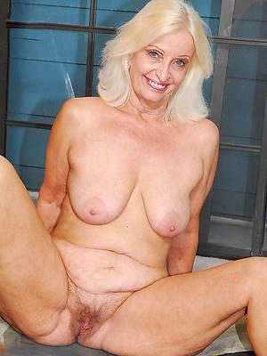 lovable nude beautiful full-grown pics