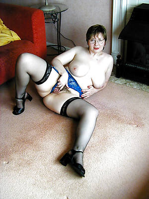mature nylons gallery