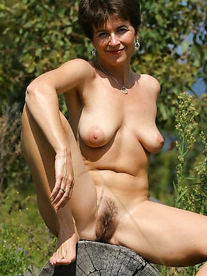 nude mature moms porn pics
