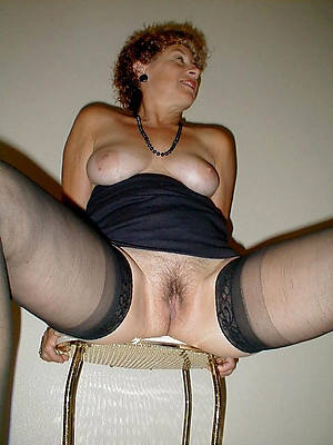 adult nude moms porno pictures