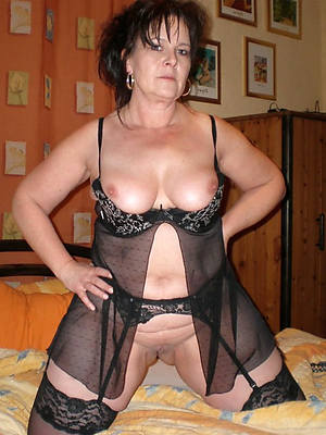 sexy naked mature brunette battalion photos