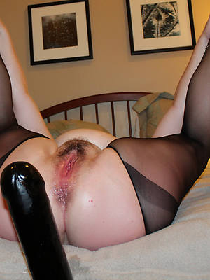 hairy british matures shows pussy
