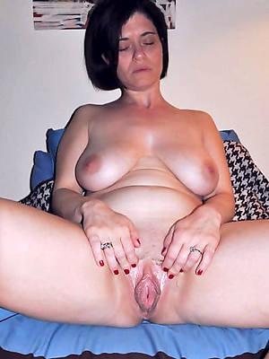 sweet mature vulva naked pics