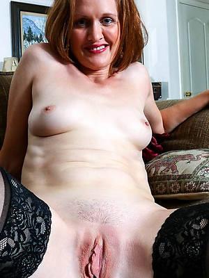 curvy mature vulva nude pictures
