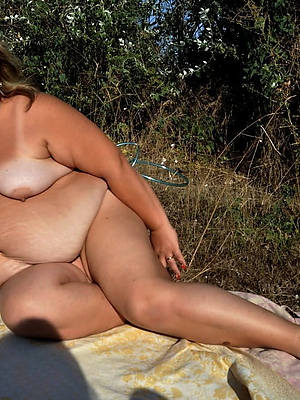 obese mature women naked pic download
