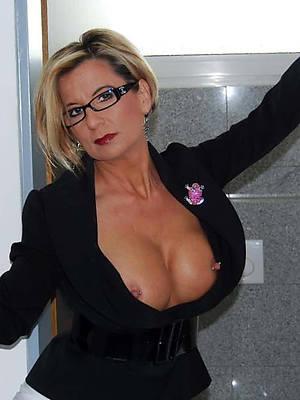 really mature in glasses porno pics