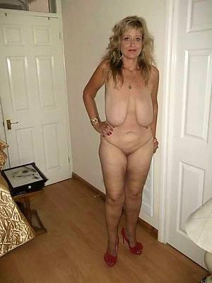 naked saggy tit mature pics
