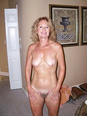 amateur mature housewives pictures