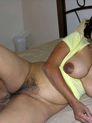 indian mature ass porno pictures