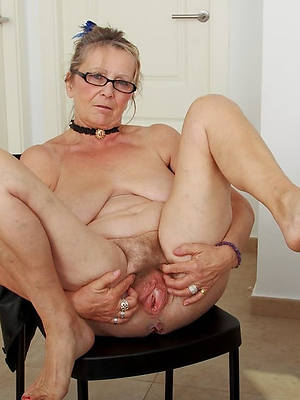 older mature nude images